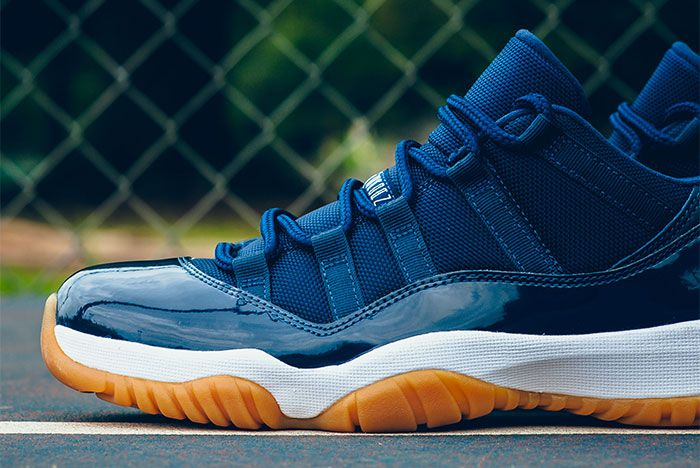 Air Jordan 11 Low Midnight Navy 5