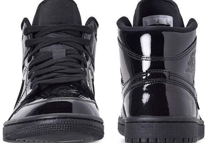 Air Jordan 1 Womens Triple Black Release 2
