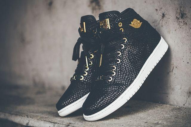 Air Jordan 1 Pinnacle Black Gold 2