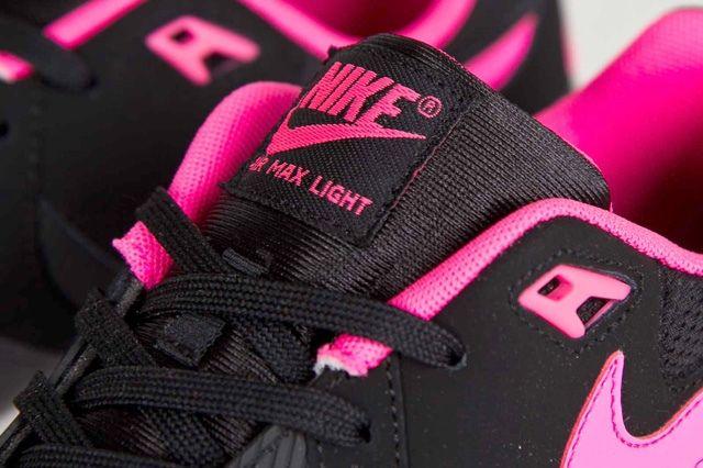 Nike Wmns Air Max Light Hyper Pink 4