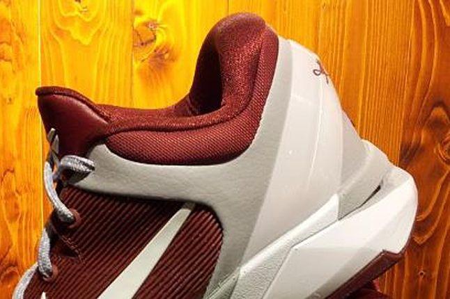 Nike Kobe 7 Lower Merion Aces 03 1