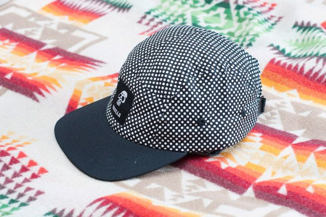Skulls Un Everything Polka Dot 5 Panel Detail Front Quater 1