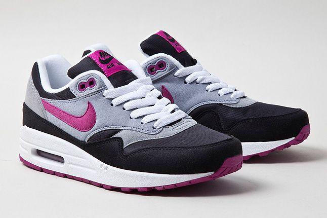 Nike Air Max 1 Grey Violet Quarter Shot 1