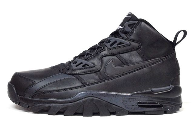 Nike Trainer Triple Black 8