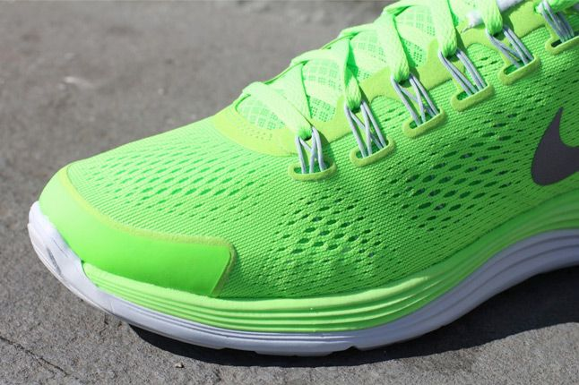 Nike Lunarglide 4 Electric Green Toe 1