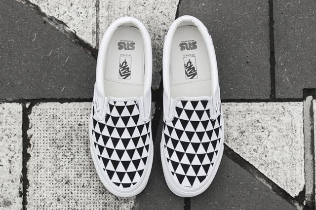 Sneakersnstuff X Vault By Vans Og Classic Slip On Lx Stockholm 3