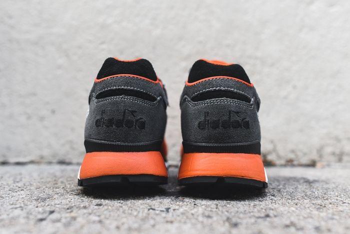 Diadora V7000 Castle Rock Dark Orange 4