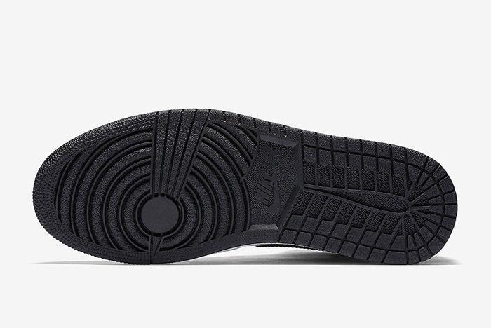 Air Jordan 1 Black Patent 1