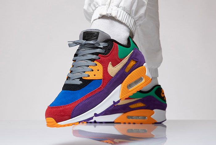Nike Air Max 90 Viotech Cd0917 600 Raised Foot