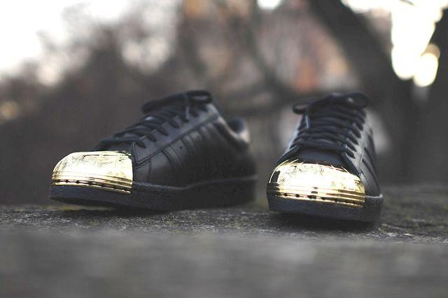 Adidas Originals Superstar 80 Metal Toe Black Gold 1