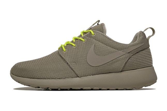 Nike Roshe Run 2Face Volt Profile 1