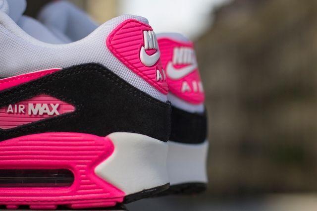 Nike Air Max 90 Cool Grey Black Hyper Pink 1