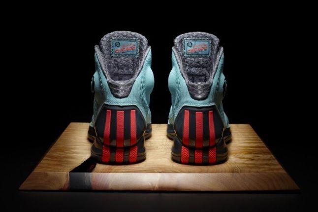 Adidas D Rose 3 Chi Town Heel Hero Board 1