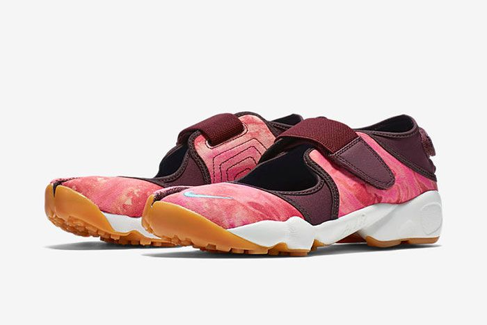 Nike Air Rift Valley Pack 11