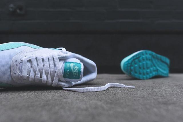 Nike Am1 Artisan Teal Bumper 2