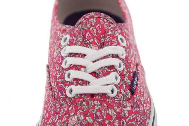 Vans Liberty Authentic Low Pink Floral Toe Detail 1