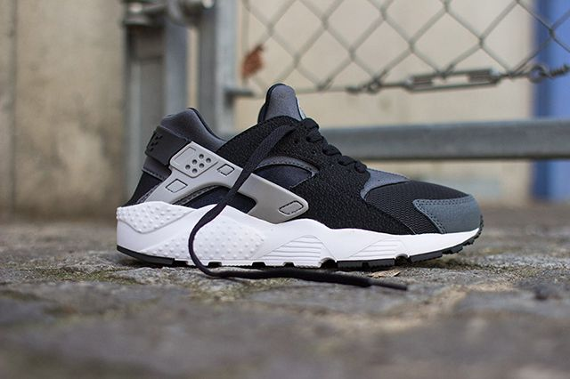 Nike Air Huarache Junior Black Wolf Grey 4