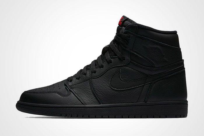 Air Jordan 1 High Triple Black Thumb