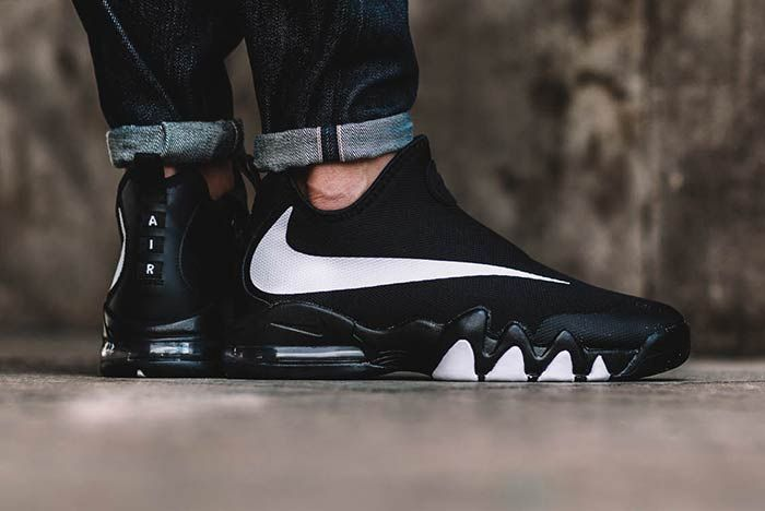 Nike Big Swoosh Blackwhite 2
