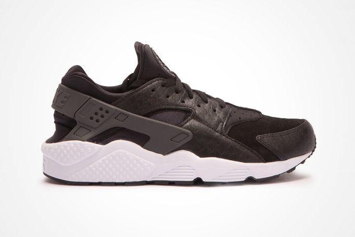 N Nike Air Huarache Run Premium Black