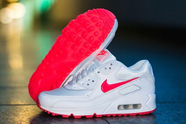 Nike Air Max 90 Hyper Punch 1