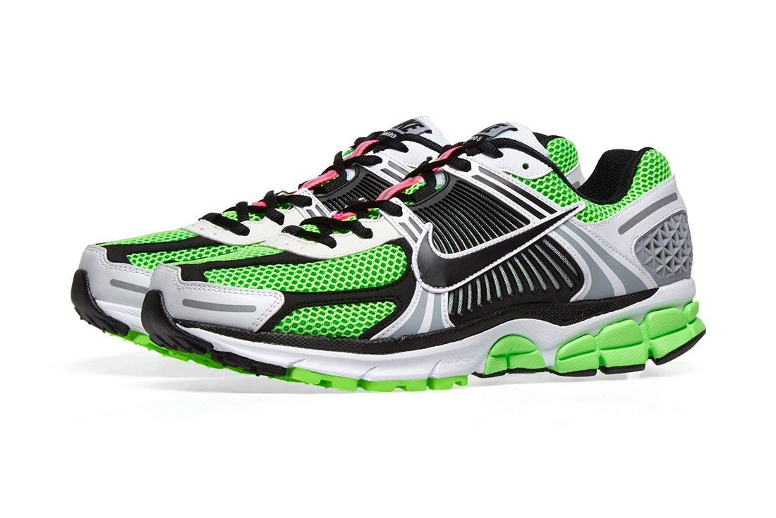 Nike Zoom Vomero 5 Side Shot 3