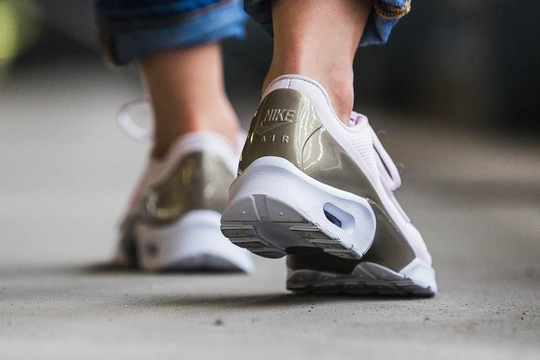 Nike Air Max Jewel Pearl Pink 3