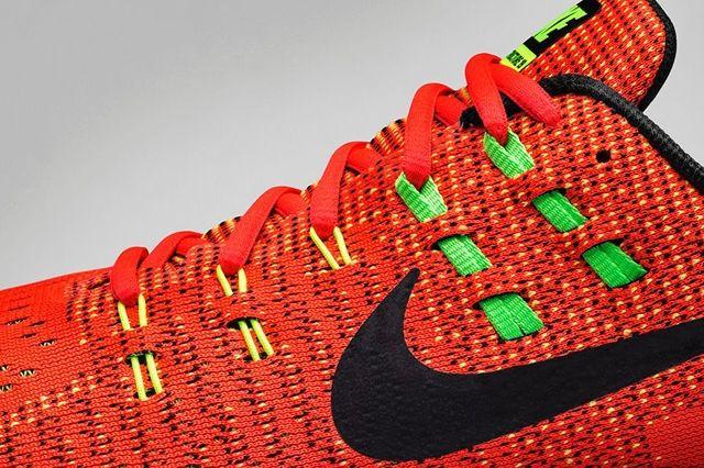 Nike Zoom Structure 19 Bright Crimson Volt 5