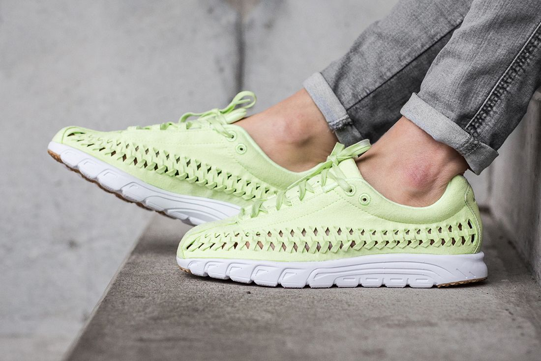 Nike Mayfly Woven Womens Pastel Pack 9