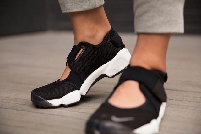 Nike Air Rift Black Cool Grey 3