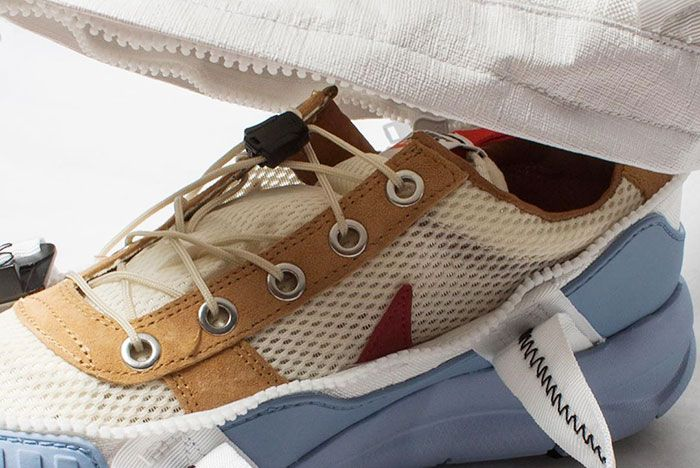 Waleyg Modified Tom Sachs Overshoe Zipper Close Up1