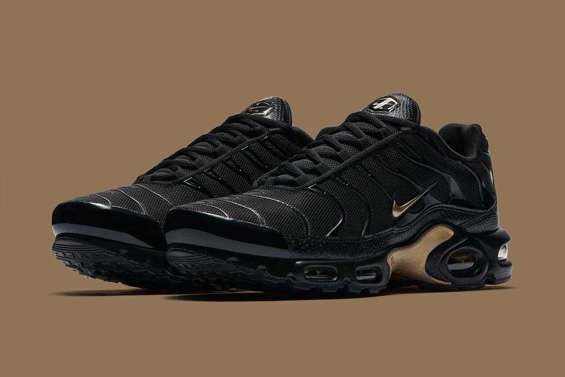 Nike Black Gold Pack 5