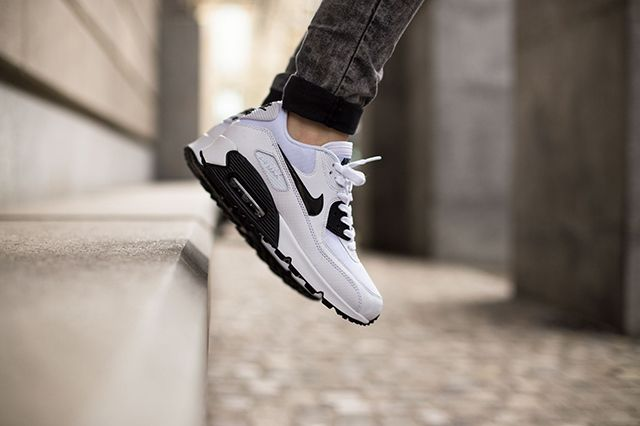 Nike Air Max 90 White Black 4