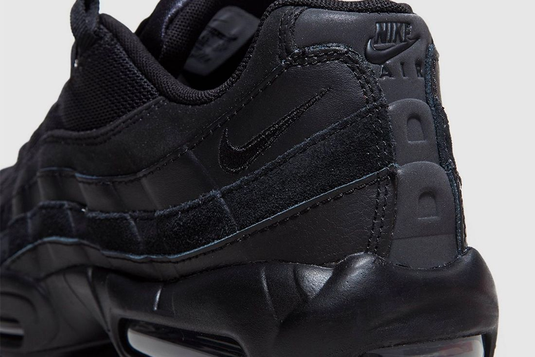Nike Air Max 95 Blacked Out 3