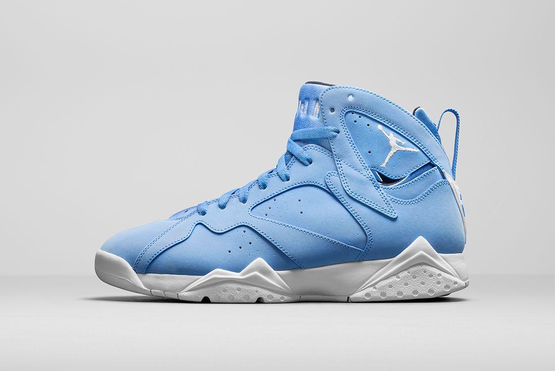 Air Jordan 7 University Blue