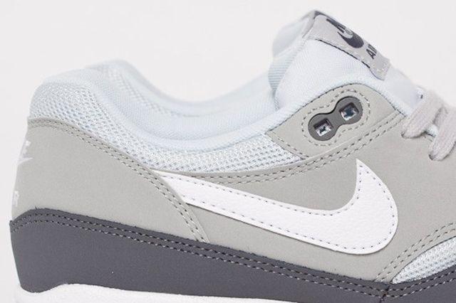 Nike Air Max 1 Essential Dark Grey White Silver Pure Platinum 1E