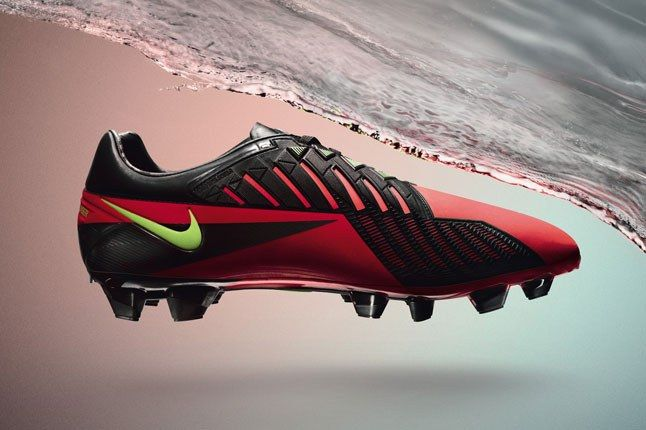 Nike Acc Red Boot 1