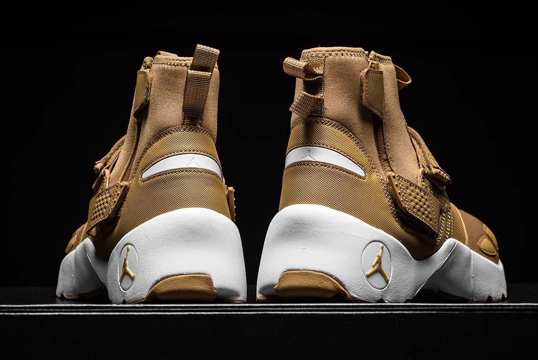Jordan Trunner Lx Golden Beige 5