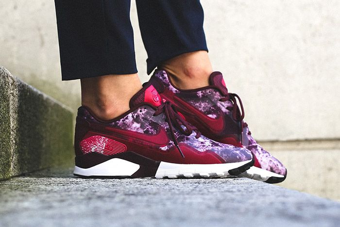 Nike Pegasus 92 16 Wmns Night Maroon Noble Red 3