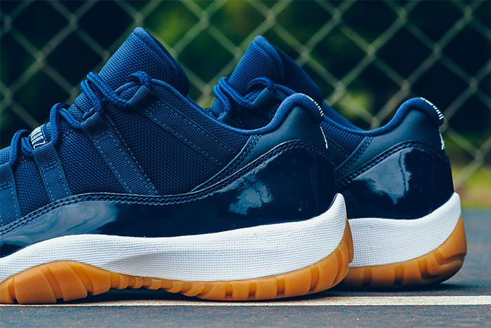 Air Jordan 11 Low Midnight Navy 6