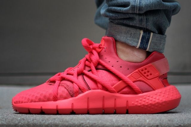 Nike Huarache Nm Red