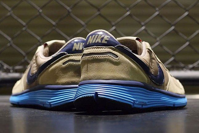 Nike Vortex Lunarlon Sole 1
