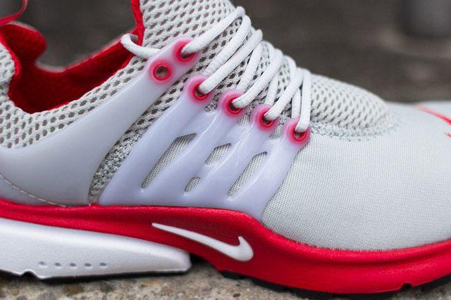 Nike Air Presto Grey Red Closeup