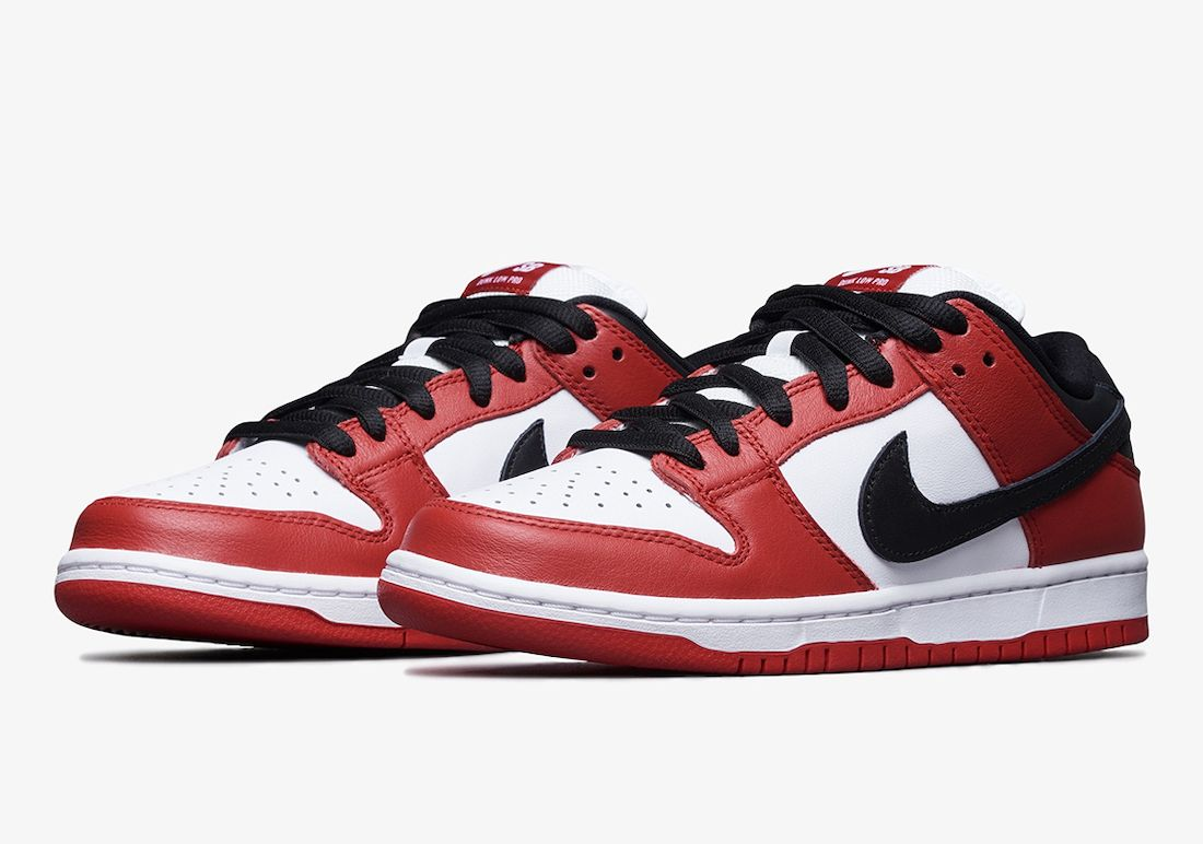 Nike SB Dunk Low Pro Chicago Angled