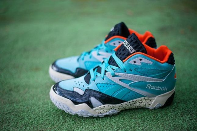 Reebok Scrimmage Mid Dolphins Pair Outer Profile 1