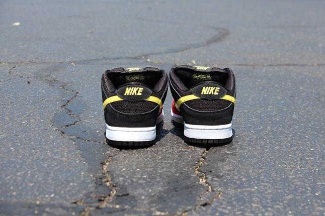 Nikesb Dunk Beavis Butthead Pack Butthead Heel Profile 1