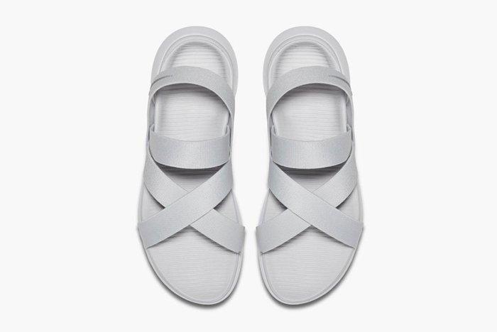 Nike Roshe One Sandal Wmns2