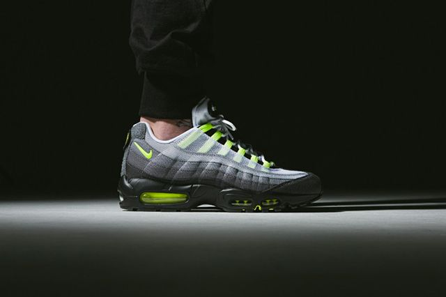 Nike Air Max 95 Patch Neon