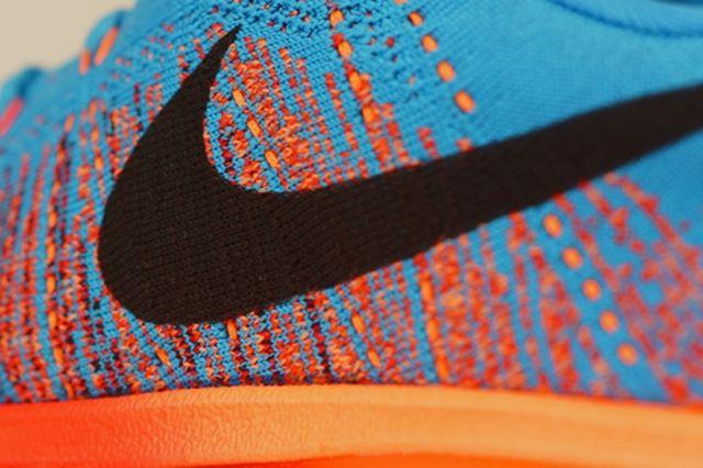 Nike Flyknit Air Max Vivid Blue Atomic Orange 1