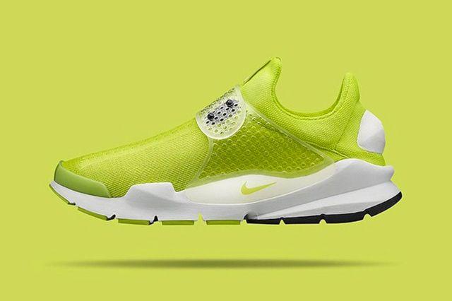 More Nike Sock Dart 4